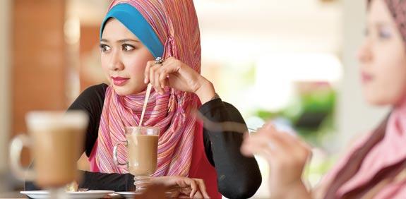 אישה ערביה / צלם: manzrussali/Shutterstock.com. א.ס.א.פ קראייטיב